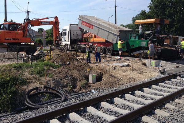 útépítés autópálya építés vasútiátjárónál